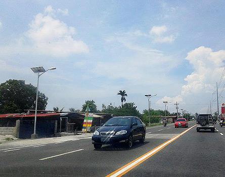 Solar-powered streetlights in Pampanga