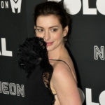 "Anne Hathaway goes vintage on the press tour for ""Colossal"""