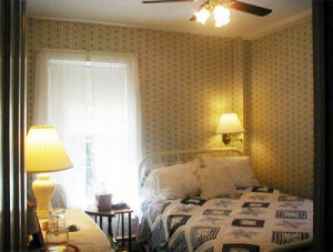 Rosemary Azalea room at Deer Watch Inn